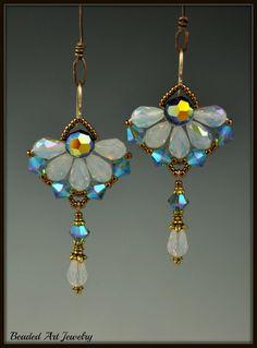 Swarovski Kristall Ohrringe von beadedartjewelry auf Etsy
