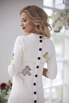 Stylish Dress Designs, Designs For Dresses, Stylish Dresses, Simple Dresses, Nice Dresses, Abaya Fashion, Knit Fashion, Fashion Wear, Boho Fashion