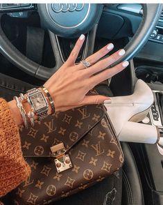 2020 New Louis Vuitton Handbags Collection for Women Fashion Bags Cheap Handbags, Black Handbags, Purses And Handbags, Fashion Handbags, Fashion Bags, Leather Handbags, Cheap Purses, Popular Handbags, Cheap Bags