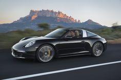Porsche 911 Targaのタルガトップが電動収納される動画