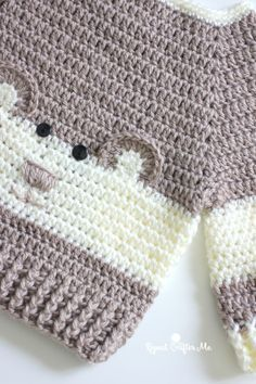 """Crochet Character Sweater Free Pattern Isn't it adorable? Crochet Character Sweater is definitely one of these. It's so """"Beary"""" Cute! This Baby Bear Crochet Character Sweater is hot off my hook! I couldn't resist the cuteness when I spotted this Crochet Baby Clothes Boy, Crochet For Boys, Crochet Baby Booties, Crochet Children, Pull Crochet, Crochet Toys, Knit Crochet, Crochet Crafts, Free Crochet"""