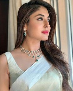 Bollywood fashion 432204895492630568 - Source by FashionandStyleTrends Party Sarees, Party Wear Lehenga, Bollywood Designer Sarees, Bollywood Fashion, Desi Wedding Dresses, Saree Trends, Saree Models, Indian Lehenga, Dress Indian Style