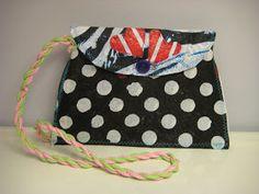 HAAGAKÄSSÄÄ: 5. luokkalaisten muovipussisulatus-töitä ja ohje muovipussisulatukseen Lunch Box, Bags, Handbags, Bento Box, Bag, Totes, Hand Bags