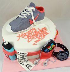 Torta de cumpleaños corredores http://runfitners.com/2014/06/tortas-de-cumpleanos-para-corredores-ideas/