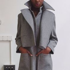Grey wool coat, oversized collar and pockets