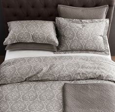 Grey and white duvet.