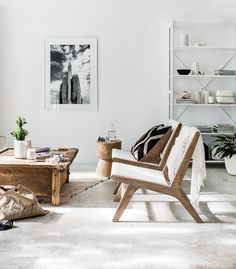 A place to share ideas, inspiration, and information related to Scandinavian interior design. Coastal Living Rooms, Living Room Interior, Home Living Room, Living Spaces, Living Area, Interior Design Inspiration, Home Interior Design, Interior Styling, Interior Decorating