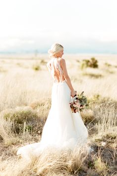 Bride / Field / Tamara Gruner Photography / Wedding Dress: Vera Wang