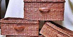 Jak na výrobu košíků z papíru, novin či letáků Wicker Baskets, Home Decor, Hobbies, Archive, Decoration Home, Room Decor, Home Interior Design, Home Decoration, Woven Baskets