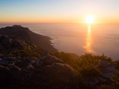 Sunset on Table Mountain - one of the best things to do in Cape Town Stuff To Do, Things To Do, Good Things, Table Mountain, Bucket List Destinations, Africa Travel, Earth Day, Cape Town, South Africa