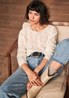 Sharing my ten favourite picks from the new Sezane Winter 2019 Collection. From knitwear and coats, to blouses and a pair of shoes that caught my eye. Black Silk Shirt, Boat Fashion, Winter Fashion Outfits, Parisian Style, Pulls, Minimalist Fashion, Blue Jeans, Pullover, What To Wear
