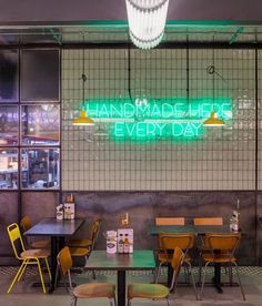 Handmade Burger Co by Brown Studio, Newcastle – UK Restaurant Design, Luxury Restaurant, Cafe Restaurant, Restaurant Ideas, Cafe Interior Design, Cafe Design, Bistro Interior, Retail Interior, Store Design
