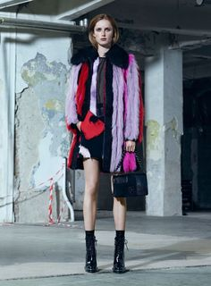 Versace Pre Fall 2016 Collection Is Revealed