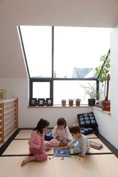 extended-konishi-gaffney-residence-kids-tatami-room-portrait