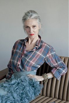 doesn't linda rodin look just perfect in this pic by ari seth cohen for grey magazine?!  the ruffles + plaid, w/the different shades of blue, finished off by her signature matte magenta lip shade + grey hair - flawless!