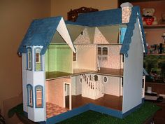 Doreens Miniatures and Memoires: YAY I Finished the Pierce Dollhouse