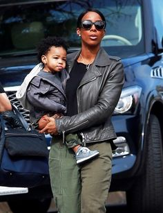 Kelly Rowland is spotted out and about in Los Angeles, California with her son Titan on January 14, 2016.