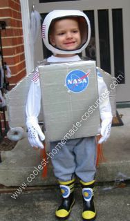 Astronaut Homemade Halloween Costume: My 3 year old son requested his costume to be an astronaut in a rocketship for Halloween this year.  Here is how I made this astronaut homemade Halloween