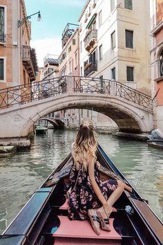 Venice - Travel Europe & the world - Viagem Europa Travel Pictures, Travel Photos, The Places Youll Go, Places To Visit, Voyager C'est Vivre, Photos Voyages, Europe Destinations, Amazing Destinations, Travel Aesthetic