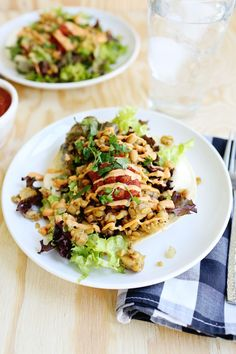 Spicy Tempeh Taco Salad - A Beautiful Mess Healthy Salad Recipes, Lunch Recipes, Vegetarian Recipes, Healthy Cooking, Healthy Eating, Easy Weeknight Meals, Easy Dinners, Soup And Salad, Recipes
