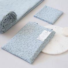 Rocket Calamari es doble cara y viene acompañado de una tote bag con el mismo diseño!!! Kids bed linen. Duvet cover. Fundas nórdicas para niños. #aymicalamari #bandidekids #lascamasestanparadeshacerlas #duvetcover