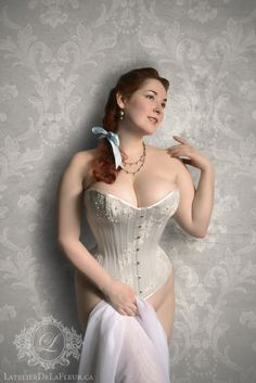 """""""A self-portrait of my prized embellished overbust corset, in pale gray coutil adorned with chantilly lace and many, many beads! """"Mina LaFleur wears a couture L'Atelier de LaFleur overbust corset. Sexy Corset, Overbust Corset, Corset Costumes, Gorgeous Redhead, Beautiful, Fetish Fashion, Curvy Plus Size, Curvy Models, Chantilly Lace"""