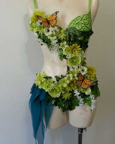 13 Ways to Be a Fashion Forward Fairy This Halloween via Brit + Co. Fantasy Costumes, Dance Costumes, Cosplay Costumes, Fairy Costumes, Fairy Costume Diy, Fairy Cosplay, Green Costumes, Flower Costume, Forest Fairy Costume