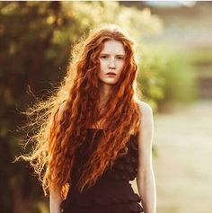 30 long curly red hairstyles Longues coiffures 0 Ağu 2018 Long hairstyles 0 Red hair is a passion, especially if you have natural. Natural Red Hair, Long Red Hair, Long Curly, Beautiful Red Hair, Beautiful Redhead, Hair Inspo, Hair Inspiration, Red Heads Women, Ginger Hair