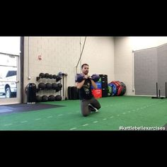 596 отметок «Нравится», 13 комментариев — Marcus Martinez (@kettlebellexercises) в Instagram: «Kettlebell ground work. Amazing for fighters and anyone who hates doing sit-ups. Ps I still get…»