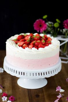 mansikkakakku Festa Party, Sweet Pastries, My Best Recipe, Love Cake, Sweet Cakes, Yummy Cakes, Cake Designs, Baking Recipes, Delicious Desserts