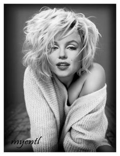 Photography Jobs Online - She looks like she literally just rolled out of bed an. Photography Jobs Online - She looks like she literally just rolled out of bed and shes still drop dead gorgeous.I mean, its not fair at all how stun. Art Marilyn Monroe, Estilo Marilyn Monroe, Divas, Hollywood Glamour, Old Hollywood, Hollywood Beach, Hollywood Actresses, Poses, Robert Mapplethorpe
