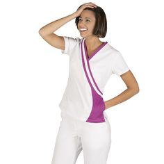 615 blusa sanitario para mujer en color blanco combinado con malva #medico #enfermera #doctor #hospital #batasanidad #ropaestetica Scrubs Uniform, Mode Mantel, Medical Uniforms, Scrub Sets, Look, Athletic Tank Tops, Blazer, Sweaters, Shirts