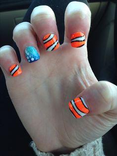 Disney nail art Nemo