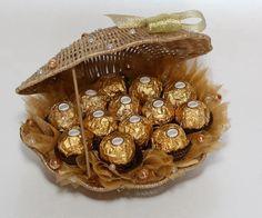 Букет из конфет ферреро 'ракушка'. Моя работа