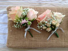 Image Buttonholes/Corsages - with green florist tape Mother Of Bride Corsage, Corsage Wedding, Wedding Bouquets, Wedding Body, Floral Wedding, Dream Wedding, Prom Flowers, Bridal Flowers, Button Holes Wedding
