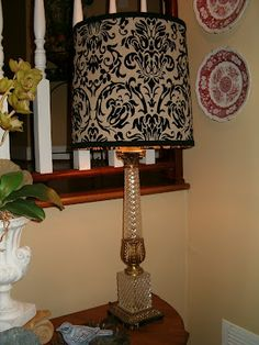 Modernizing a Vintage Lamp - Southern Hospitality Recover Lamp Shades, Old Lamp Shades, Painting Lamp Shades, Painting Lamps, Southern Hospitality, Do It Yourself Projects, Vintage Lamps, Lampshades, Glass Art