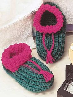 crocheted ribbed cuff comfies slippers-free pattern download