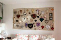 Una parete di cuori - A wall of hearts http://www.lisoladeglidei.it/