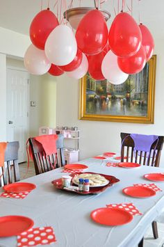 Pizza party balloons for a pizza party. #BetterSummer #PapaJohns Contest Rules: http://papajohns.com/bettersummer