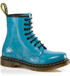 This is the pair of dr. martens that I wanted but they got rid of them :'(