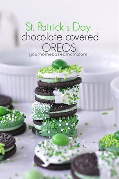 St. Patrick's Day Chocolate Dipped Oreos. Easy St. Patrick's day dessert idea.