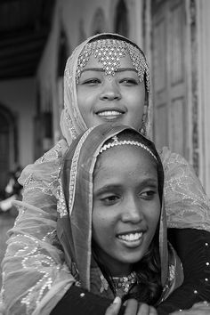 'Harar, Ethiopia' - Photo by georges courreges African Life, African Women, African Culture, African History, We Are The World, People Around The World, Beautiful Black Women, Beautiful People, Beautiful Ethiopian Women