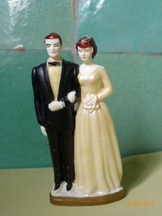 Vintage cake topper Bride and Groom. via Etsy.