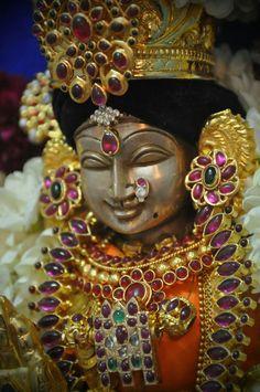 Near with friendship by Ur smile Indian Goddess, Goddess Lakshmi, Durga Maa, Shiva Shakti, Lakshmi Images, Lakshmi Photos, Krishna Statue, Hindu Deities, Hinduism