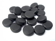 Activated Charcoal-- If your digestive system is turned upside-down while stranded, without access to a store, pharmacy or medical facility, activated charcoal can be your best friend. Activated charcoal is used in hospitals worldwide for patients who ing Homestead Survival, Survival Prepping, Survival Skills, Survival Items, Wilderness Survival, Survival Fishing, Survival Gadgets, Survival Gear, Activated Charcoal Benefits