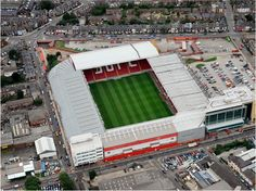 Sheffield United FC have applied for an extension of time to implement planning permission secured in 2009 covering the extension of the South Stand at their historic Bramall Lane ground. English Football Stadiums, British Football, English Football League, Best Football Team, European Football, Football Fans, South Yorkshire, Yorkshire England, Sheffield United Stadium