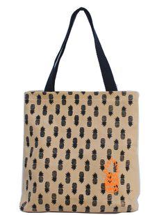 Bolso de lona reforzada, bordado ananá, bolsillo interno, correas de soga, cierre en la boca. 20%OFF. www.facebook.com/samthing.tienda