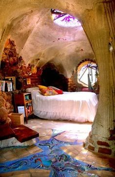 I Love Unique Home Architecture. Simply stunning architecture engineering full of charisma nature love. The works of architecture shows the harmony within. Maison Earthship, Earthship Home, Earthship Design, Light Architecture, Architecture Design, Sustainable Architecture, Residential Architecture, Contemporary Architecture, Home Design