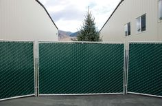Freestanding fence panels are something that can be used for barriers at events or concerts.These move-able fence panels add security and beauty to the site.Event planner makes use of these fence panels to hide few sections of the event. Driveway Fence, Front Yard Fence, Fence Landscaping, Backyard Fences, Fenced In Yard, Yard Fencing, Aluminum Fence, Metal Fence, Fence Panels For Sale