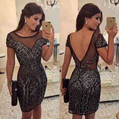 WEBSTA @ arianecanovas - Vestido inteiro bordado @rocklola_ 😍♥️ Aquele  curtinho que deixa a gente impecável em qualquer festa! ♥️ Já disponível pra compra online: www.rocklola.com.br 🔝 • #selfie #lookfesta #partydress #blogtrendalert